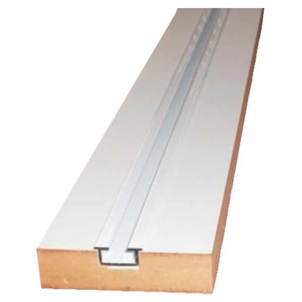 Dřevěné jednokolejnice s kovovou drážkou.